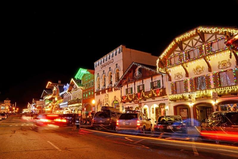 Julbelysning i Leavenworth 6 royaltyfri foto
