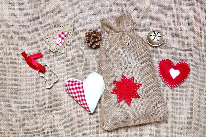 julen dekorerar nya home id?er f?r garnering till royaltyfria foton