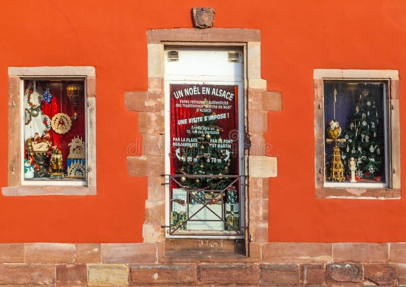 Julen shoppar Windows royaltyfria bilder