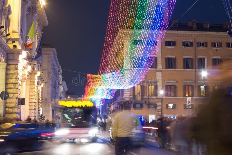 Julgatagarneringar i Rome royaltyfri foto