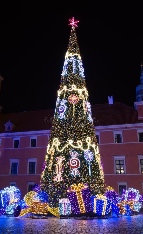 Julgran i Warszawa royaltyfria foton