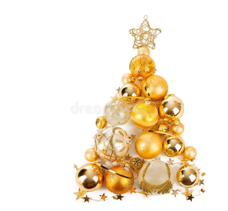 Julgran med guld- bollar royaltyfri foto
