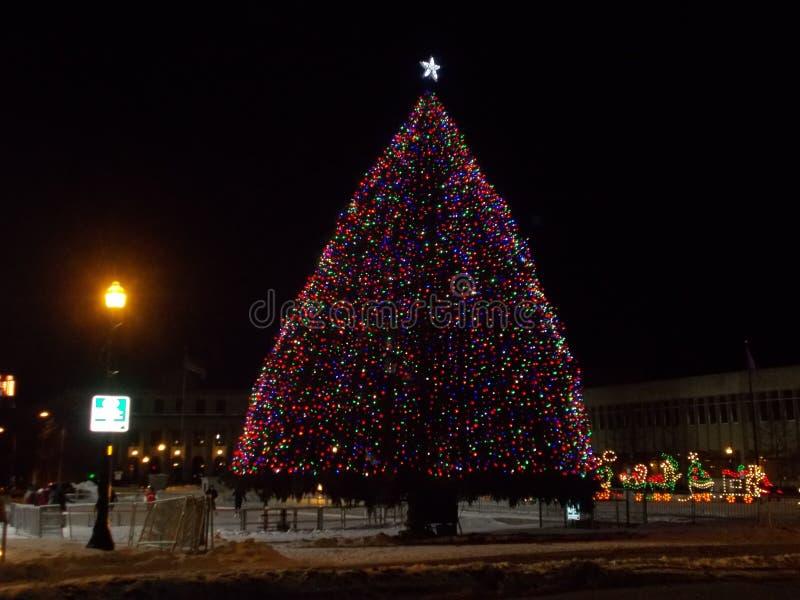 Julgranen på Clinton Square fotografering för bildbyråer