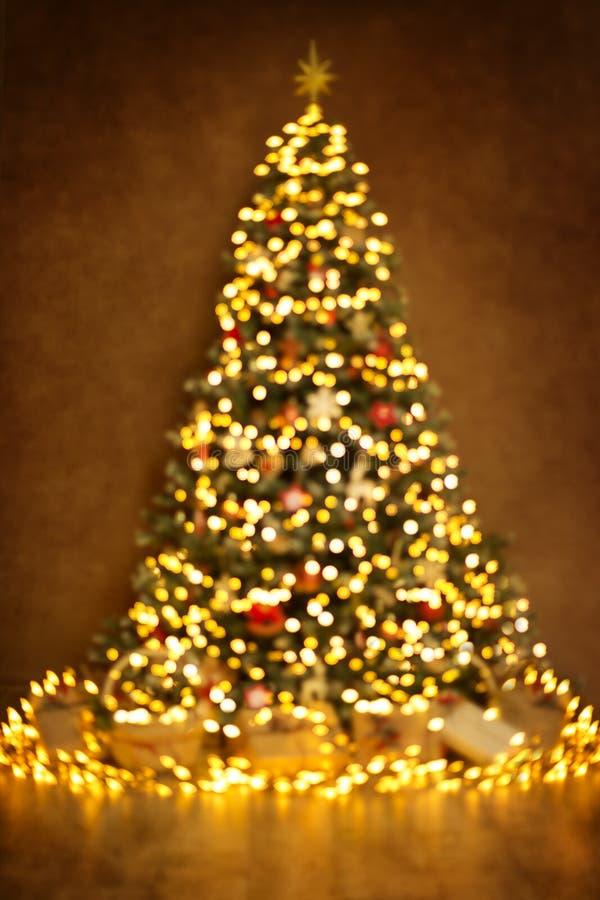 Julgranljus, Defocused suddig abstrakt belysning för Xmas royaltyfria foton
