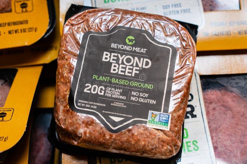 Juli 31, 2019 Cupertino/CA/USA - utöver vegetabilisk jordning 'kött 'för nötkött producerade förbi utöver kött och sålde i en liv arkivfoton