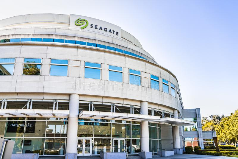 Juli 31, 2019 Cupertino/högkvarter för CA/USA - Seagate teknologiPLC i Silicon Valley; Seagate är en amerikansk datalagring royaltyfria foton
