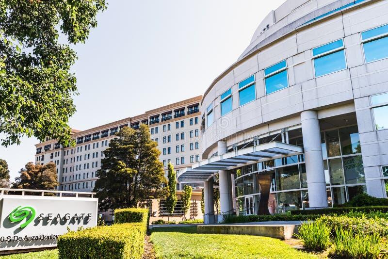Juli 31, 2019 Cupertino/högkvarter för CA/USA - Seagate teknologiPLC i Silicon Valley; Seagate är en amerikansk datalagring arkivbilder
