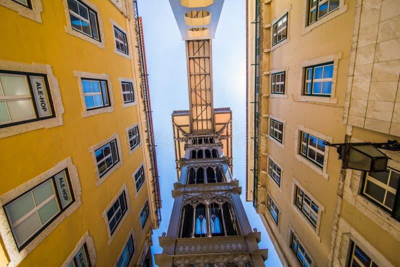 10 Juli 2017 - Lissabon, Portugal Santa Justa Lift den också kallade Carmo elevatorn är en hiss i Lissabon royaltyfria foton