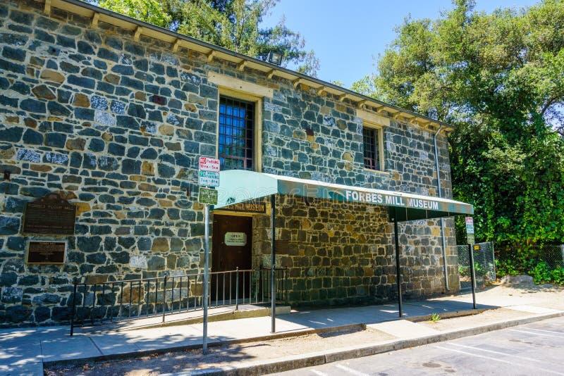 30 juli, 2018 Los Gatos/CA/de V.S. - Ingang aan Forbes Mill Museum in de overblijfselen van historisch Forbes Flour Mill wordt ge royalty-vrije stock fotografie
