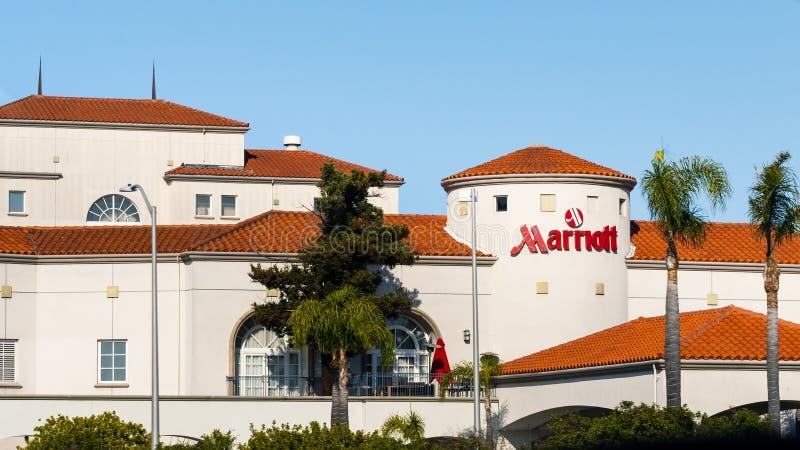 4. Juli 2019 San Mateo/CA/USA - Außenansicht von Hotel Sans Francisco Airport Marriott stockfotografie