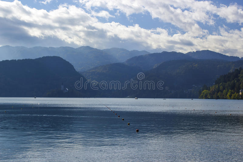 Julian Alps - panorama rond Afgetapt meer, Slovenië royalty-vrije stock foto