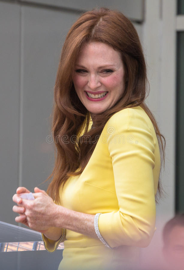 Download Julianne Moore And John Blake At The Hollywood Walk Of Fame Cer Editorial Photography - Image: 34153692