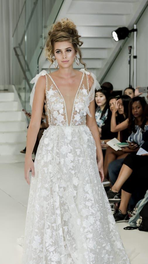 Julie Vino FW18 Bridal obrazy stock