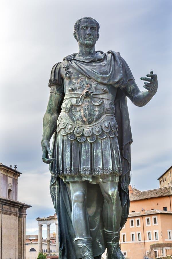 Julius Caesar Statue Roman Forum Rome Italia fotos de archivo libres de regalías