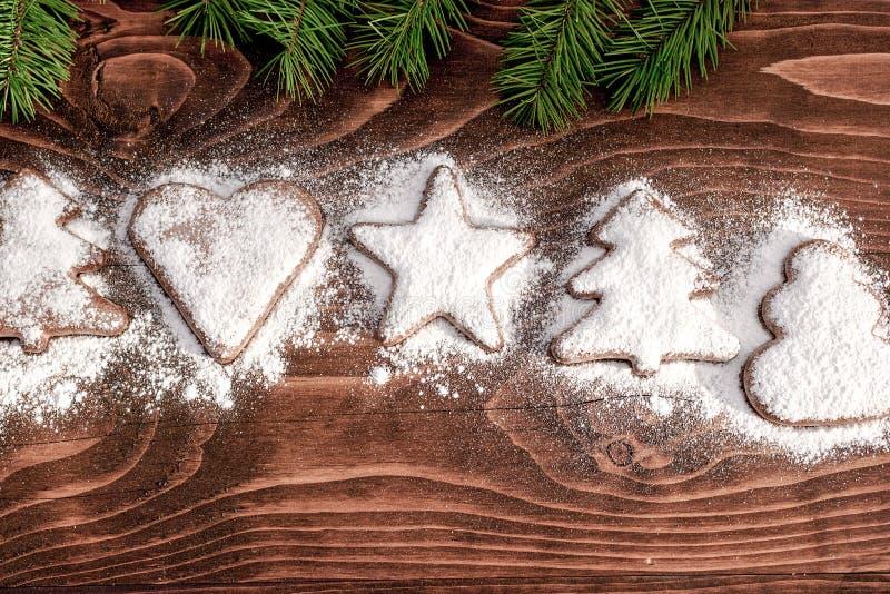 Julkakor - julgarnering på trätabellen stock illustrationer
