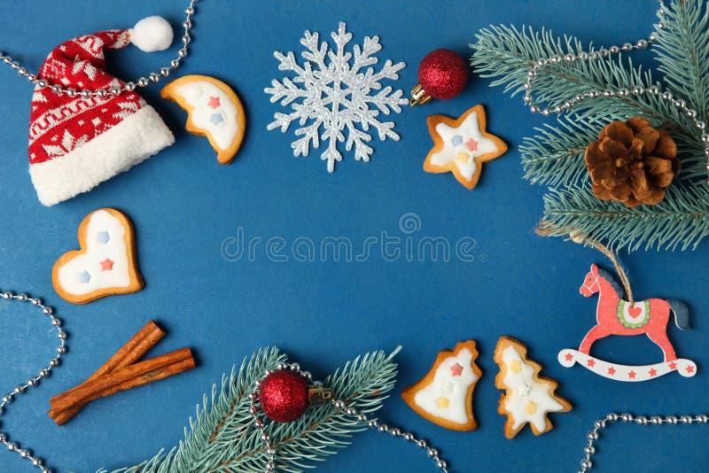 Julkakor med vit glasyr royaltyfri foto