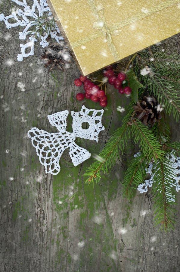 Download Julkort Med Stucken ängel Och Snö Arkivfoto - Bild av stuckit, garnering: 78731704