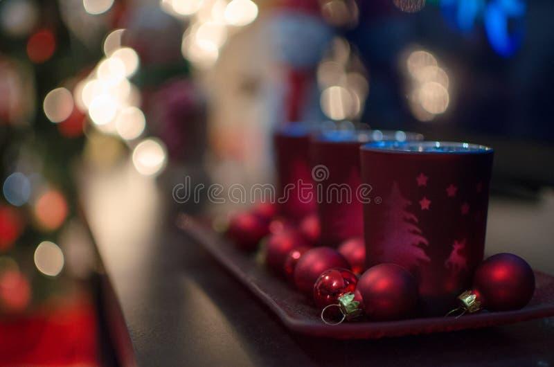 Julljushållare arkivbild