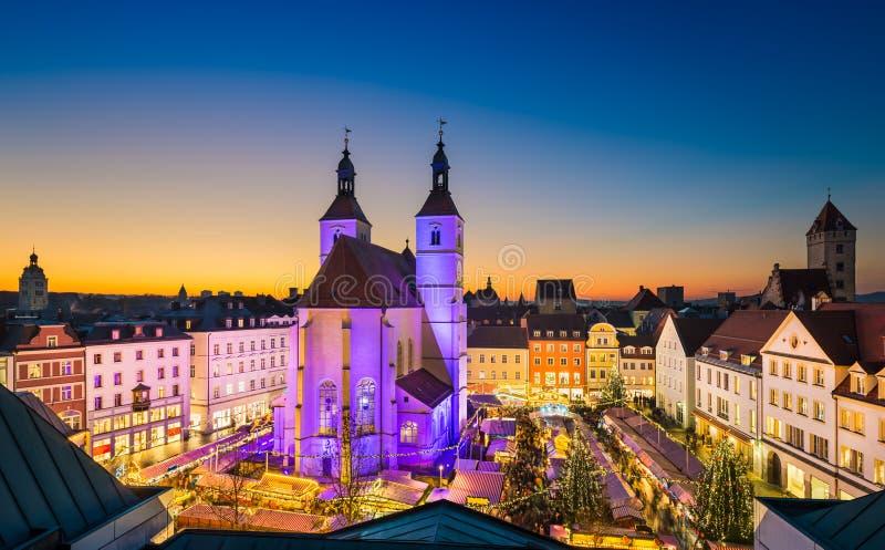 Julmarknad i Regensburg, Tyskland royaltyfria foton