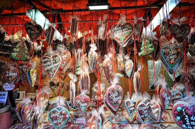 julpepparkakamarknaden shoppar arkivfoto