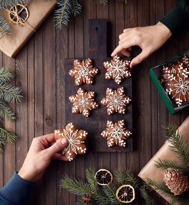 Julpepparkakastjärnor royaltyfria foton