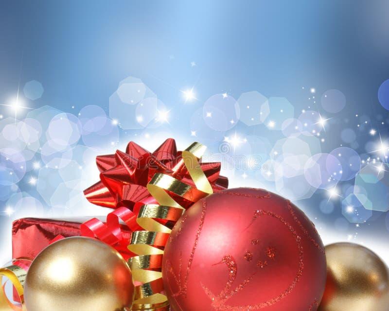 Julprydnadar på dekorativ bakgrund stock illustrationer
