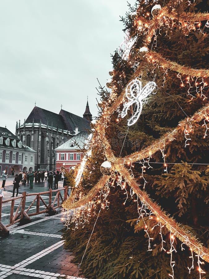 Julpynt December i Brasov arkivfoto