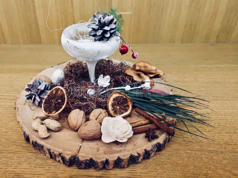 Julpynt och gåvor arkivbild