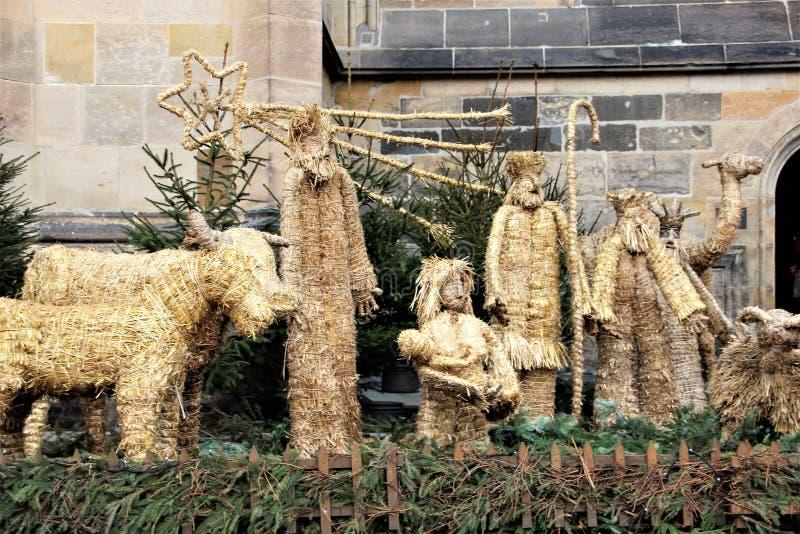 Julsammansättning nära Sten Vitus Cathedral i gamla Prague royaltyfria foton