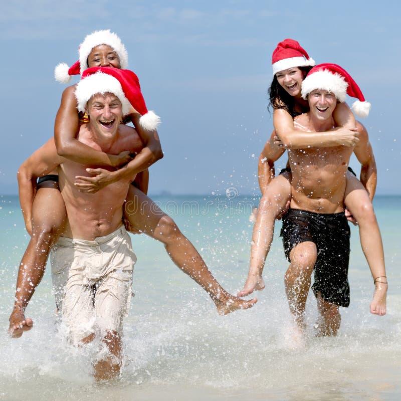 JulSanta Hat Vacation Travel Beach begrepp arkivbilder