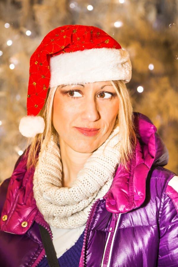 julsanta kvinna royaltyfria foton