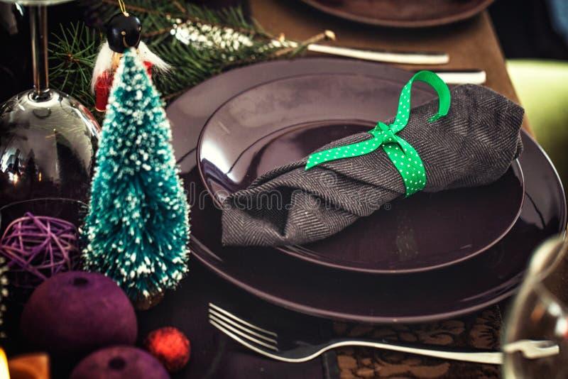 Jultabellinställning för matställe royaltyfri fotografi