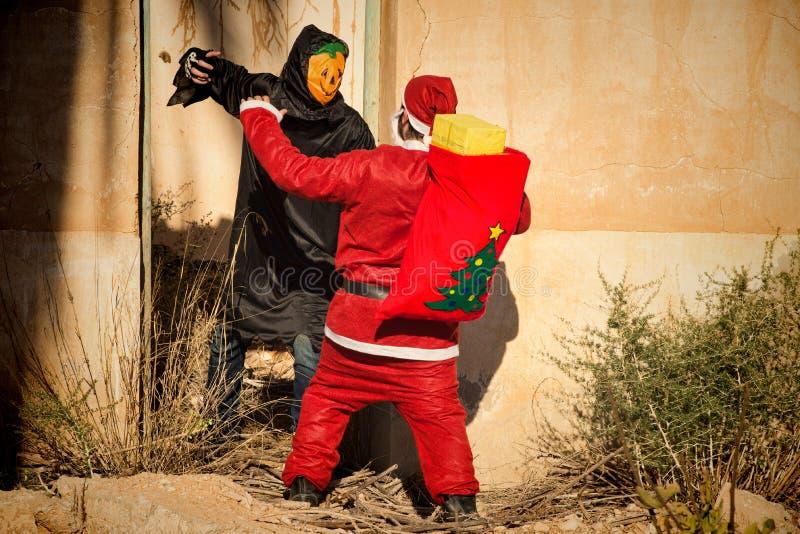 Jultomten i ruskiga problem royaltyfri fotografi