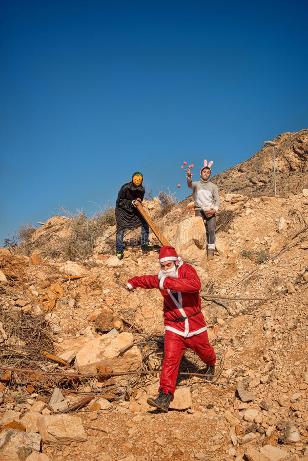 Jultomten i ruskigt problem fotografering för bildbyråer