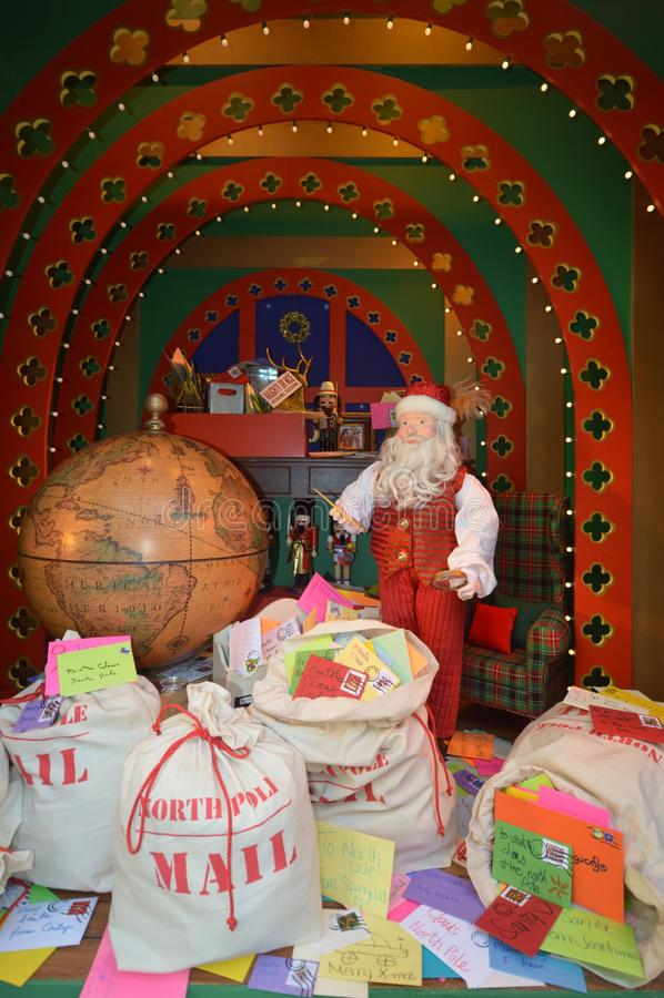 Jultomten Mailroom arkivfoton