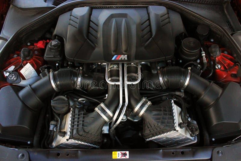7 Июля 2016 Года; Киев, Украина. Двигатель BMW. 7 июля 2016 года; двигатель BMW, двигатель спортивного автомобиля стоковые фотографии