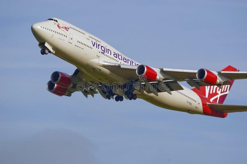 Jumbo atlántico 747 de la Virgen imagen de archivo