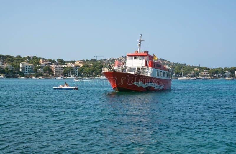 Jumbo rosso del traghetto II fotografia stock