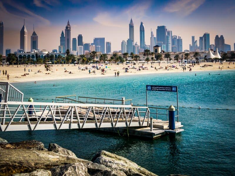 Jumeirah迪拜的海滩和地平线 库存照片