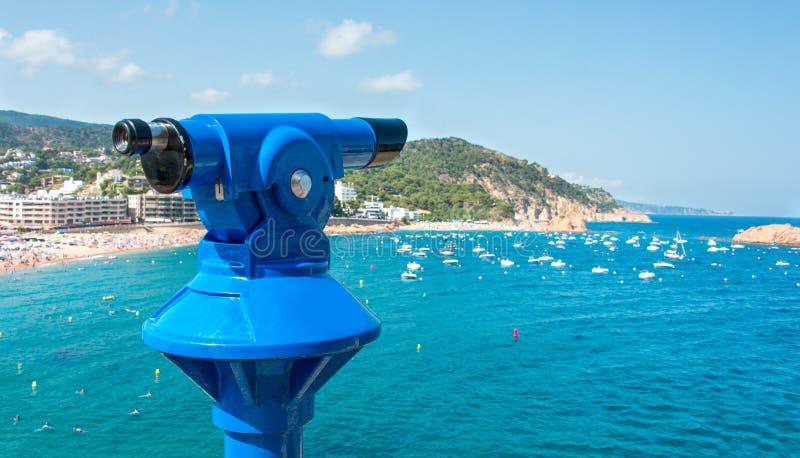 Jumelle monoculaire d'observation à Tossa de Mar photo libre de droits