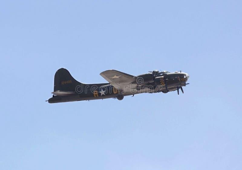 JUMENT SUPERBE DE WESTON, R-U - 21 JUIN : Forteresse de vol de Boeing B-17G photographie stock libre de droits