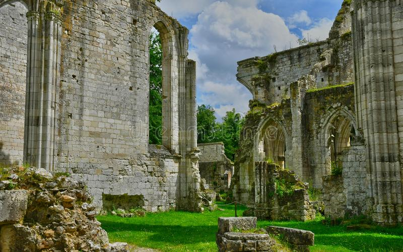 Jumieges, Γαλλία - 22 ιουνίου 2016: Αββαείο Σεν Πιερ στοκ εικόνες