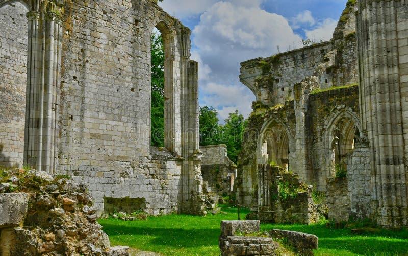 Jumieges, Frankrijk - 22 juni 2016 : Saint Pierre abbey stock afbeeldingen