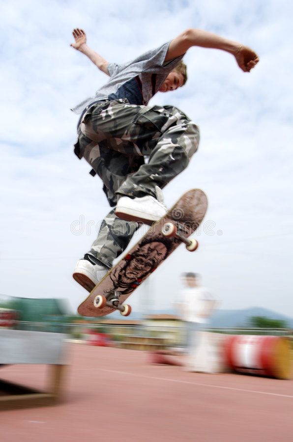 Free Jump On Skate Stock Photography - 2269922