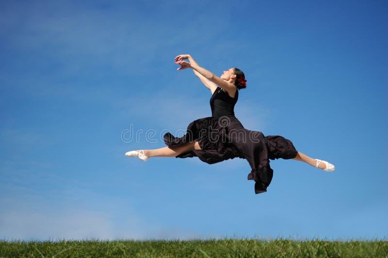 Jumpimp do dançarino foto de stock