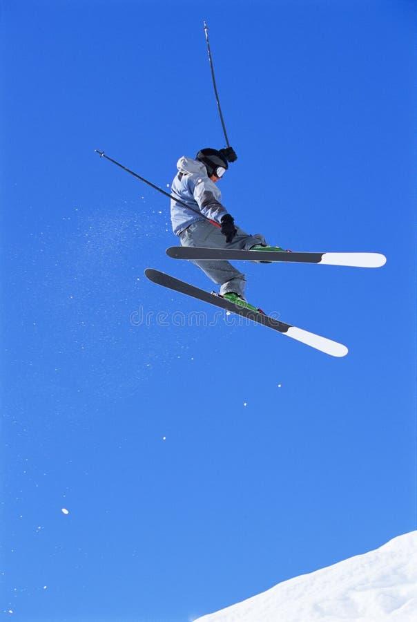 jumping skier στοκ εικόνα με δικαίωμα ελεύθερης χρήσης