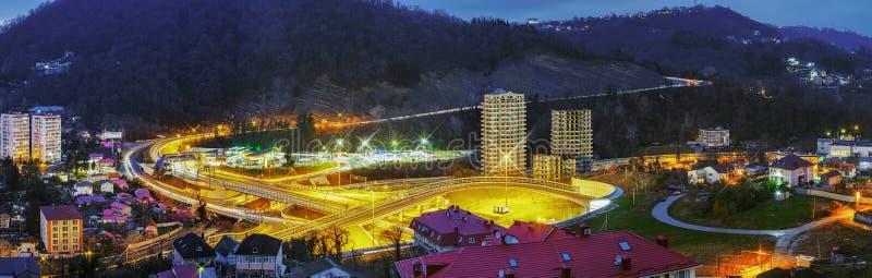 Junção e túnel de estrada no distrito de Mamaika Rússia, Sochi foto de stock