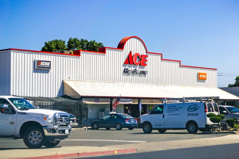 June 26, 2019 Oakdale / CA / USA - ACE Hardware store entrance; ACE Hardware is the world`s largest hardware retail cooperative stock photos