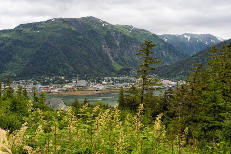 Juneau Alaska visto da Douglas Island fotografia stock
