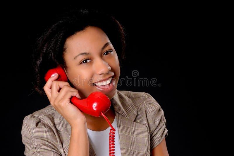 Junge Afroamerikaner-Geschäftsfrau stockfotografie